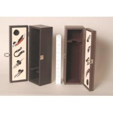 Wine bottle presenation box with accessories